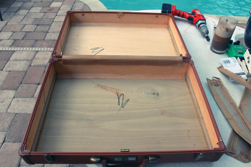 Suitcase Pedalboard Conversion